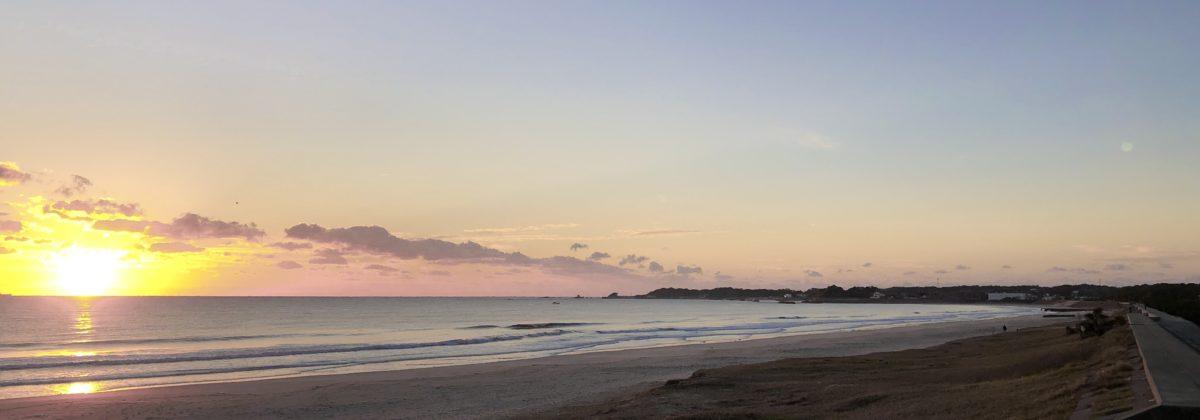 国府の浜、朝の様子